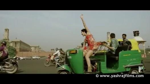 Videogram: Choomantar - Full Song   Mere Brother Ki Dulhan
