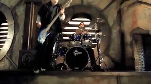 Videogram: Linkin Park - In The End (Official Video)